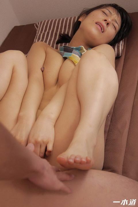 裸エプロンデリヘル家政婦 彩華ゆかり