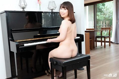 エッチなピアノレッスン 佐藤ゆかり
